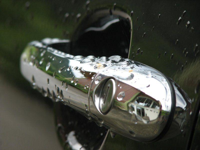 Hogyan lehet kinyitni az autót kulcs nélkül