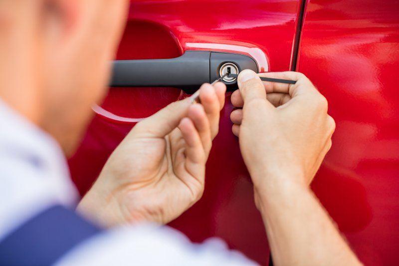 Bezárodott autóó kinyitása