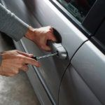 Lehetséges az autó kinyitása kulcs nélkül?
